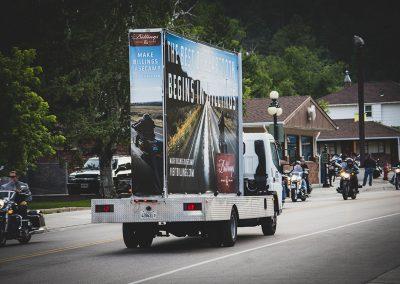 rolling-advertising